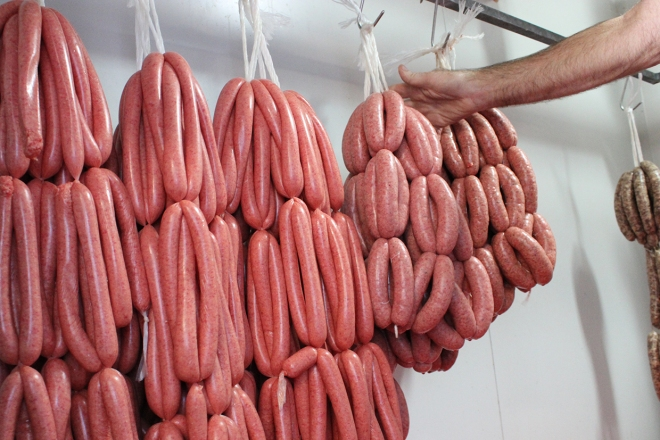 Lots-of-sausages.jpg